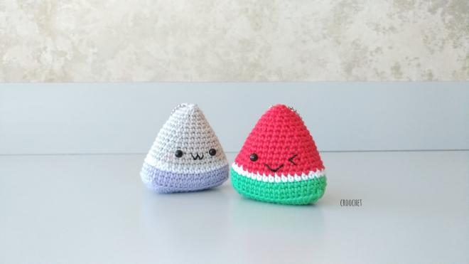 Crochet Keychain Watermelon: Free and quick pattern | 371x660